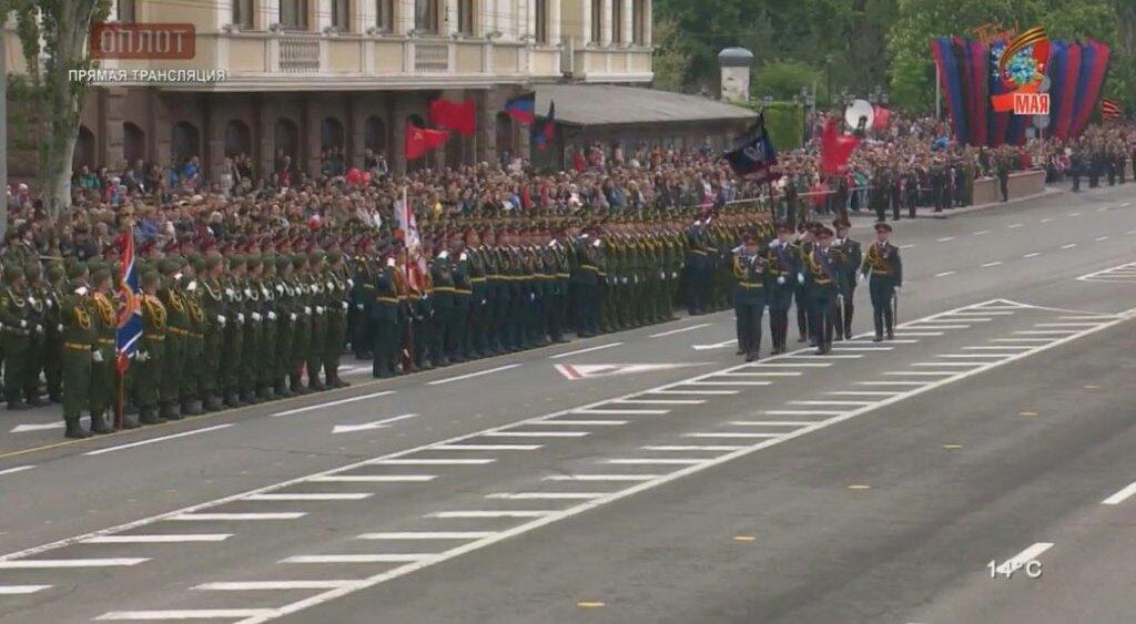 «Τρέμει η γη» στην Κόκκινη Πλατεία: Χιλιάδες στρατιώτες, οχήματα σε μια πρωτοφανή παρέλαση και μήνυμα προς πάσα δυτική κατεύθυνση (εικόνες,βίντεο) - Εικόνα2
