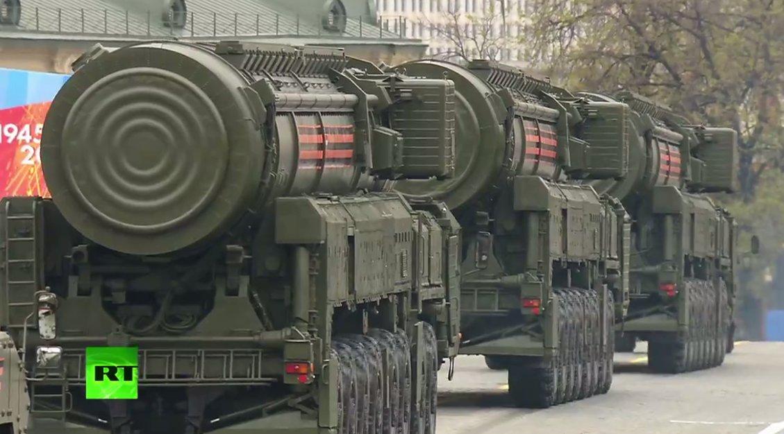 «Τρέμει η γη» στην Κόκκινη Πλατεία: Χιλιάδες στρατιώτες, οχήματα σε μια πρωτοφανή παρέλαση και μήνυμα προς πάσα δυτική κατεύθυνση (εικόνες,βίντεο) - Εικόνα3