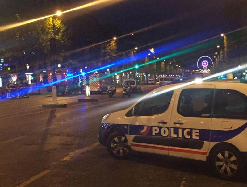 Τζιχαντιστές χτύπησαν το Παρίσι: 1 νεκρός και 2 τραυματίες αστυνομικοί - Εικόνα 6