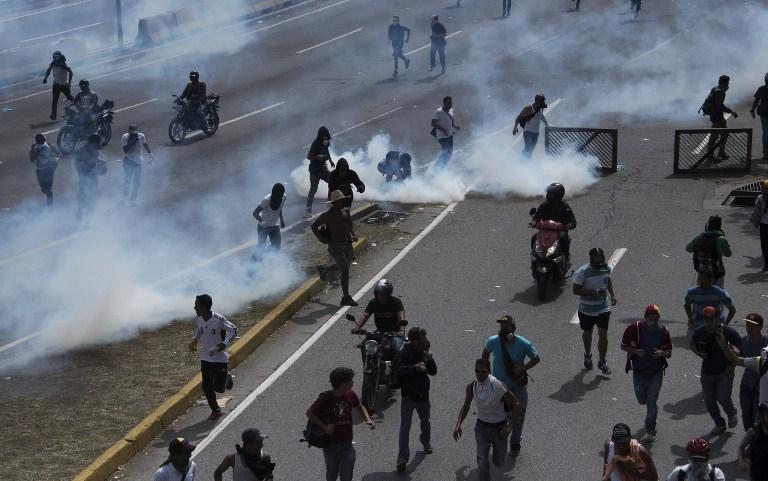 Βενεζουέλα: Τρεις νεκροί, δεκάδες τραυματίες στις μεγαλύτερες διαδηλώσεις κατά Μαδούρο - Εικόνα 0