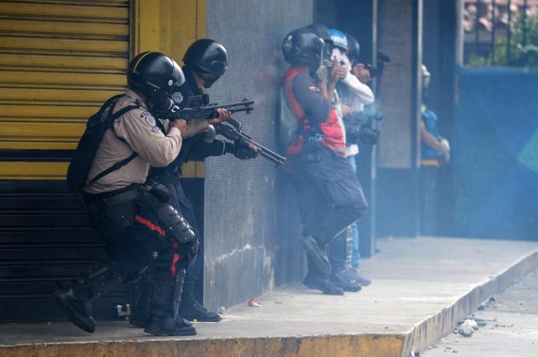 Βενεζουέλα: Τρεις νεκροί, δεκάδες τραυματίες στις μεγαλύτερες διαδηλώσεις κατά Μαδούρο - Εικόνα 1