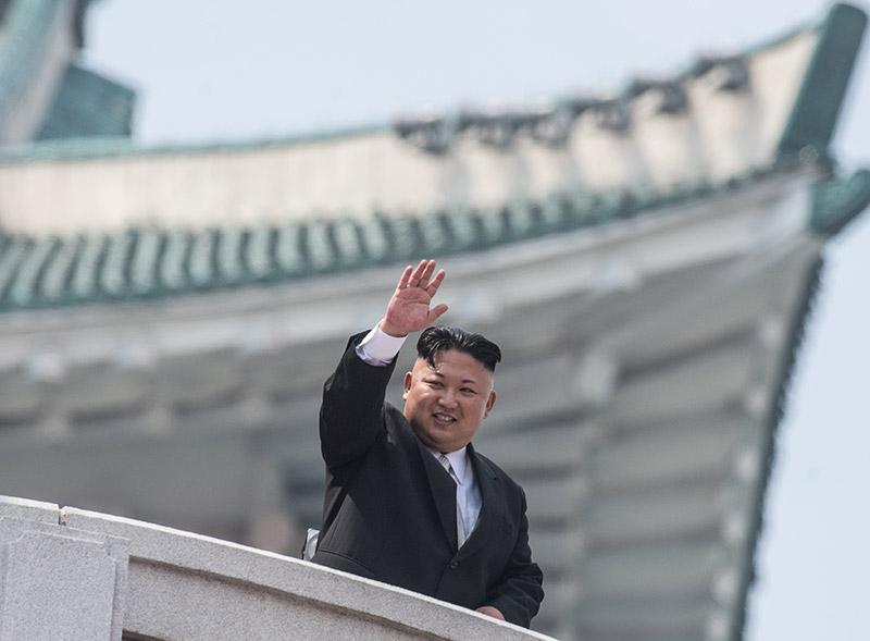 Η Βόρεια Κορέα προκαλεί ανοιχτά τις ΗΠΑ: Έκαψαν σε εορταστικό βίντεο την αμερικανική σημαία - Εικόνα 3