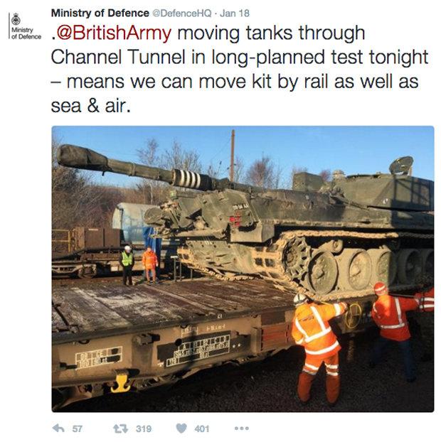 Η Βρετανία προετοιμάζεται μυστικά για ταραχές και διάλυση της Ευρώπης ελέγχοντας «πολεμικά σενάρια» στην σήραγγα της Μάγχης - Εικόνα0