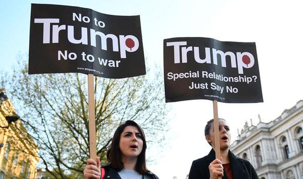 Βρετανός ΥΠΑΜ Boris Johnson: «O Τραμπ θα βομβαρδίσει ξανά την Συρία – ΗΠΑ και G7 θα ανοικοδομήσουν την Συρία» - Εικόνα0