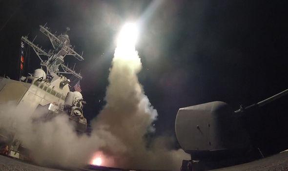 Βρετανός ΥΠΑΜ Boris Johnson: «O Τραμπ θα βομβαρδίσει ξανά την Συρία – ΗΠΑ και G7 θα ανοικοδομήσουν την Συρία» - Εικόνα1