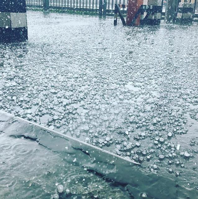 Χάος στη Μόσχα από την «καταιγίδα του αιώνα» -Βροχές και χαλάζι [βίντεο] - Εικόνα0