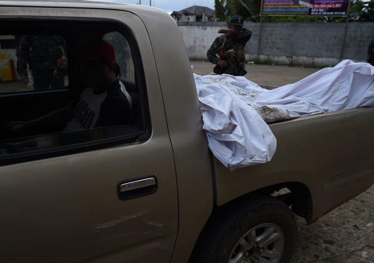 Χάος στις Ν.Φιλιππίνες: Οι Τζιχαντιστές εκτελούν γυναίκες και παιδιά – 95 νεκροί – Ρ.Ντουτέρτε: «Ήθελαν να πολεμήσω την Κίνα – Σύναψα συμμαχία με Πεκίνο-Μόσχα» – Σκληρές σκηνές (βίντεο) - Εικόνα1