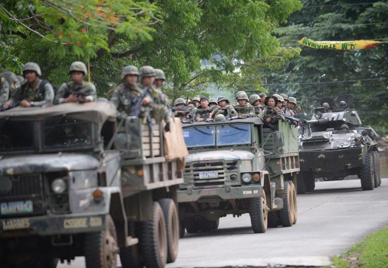 Χάος στις Ν.Φιλιππίνες: Οι Τζιχαντιστές εκτελούν γυναίκες και παιδιά – 95 νεκροί – Ρ.Ντουτέρτε: «Ήθελαν να πολεμήσω την Κίνα – Σύναψα συμμαχία με Πεκίνο-Μόσχα» – Σκληρές σκηνές (βίντεο) - Εικόνα6