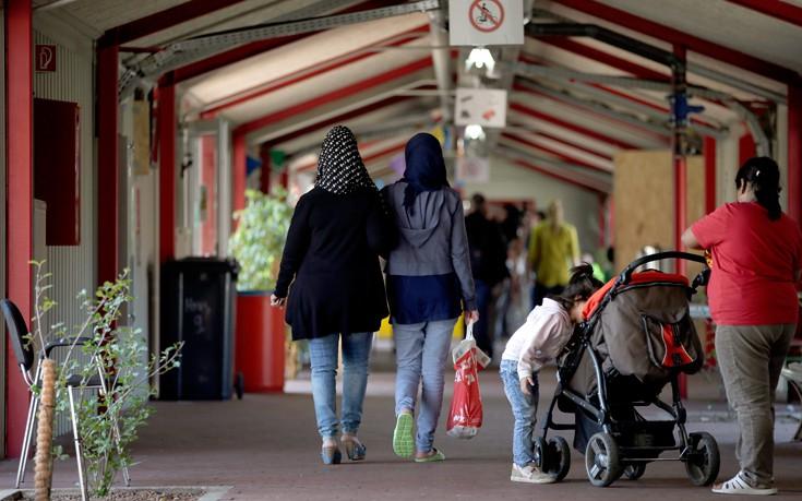 Ένα χωριό, 102 κάτοικοι, 750 πρόσφυγες, ένα ζωντανό πείραμα - Εικόνα2