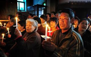 Ο Χριστιανισμός ανθίζει στην Ανατολική Ευρώπη δεκαετίες μετά την πτώση του αθεϊστικού κομμουνισμού, δείχνει έρευνα. Πιο στενά συνδεδεμένη η θρησκευτική με την εθνική ταυτότητα στις ορθόδοξες χώρες - Εικόνα4