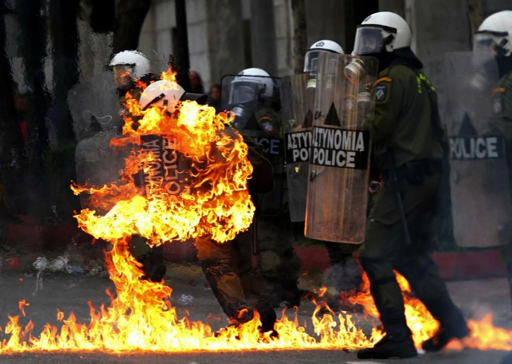 greece_riots_annyve_400357a