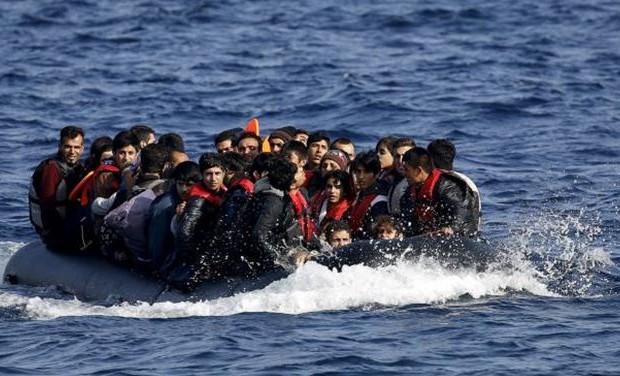 ΕΞΩΦΡΕΝΙΚΟ! Τούρκοι δουλέμποροι έφεραν Σομαλούς… μετανάστες στην Άνδρο!