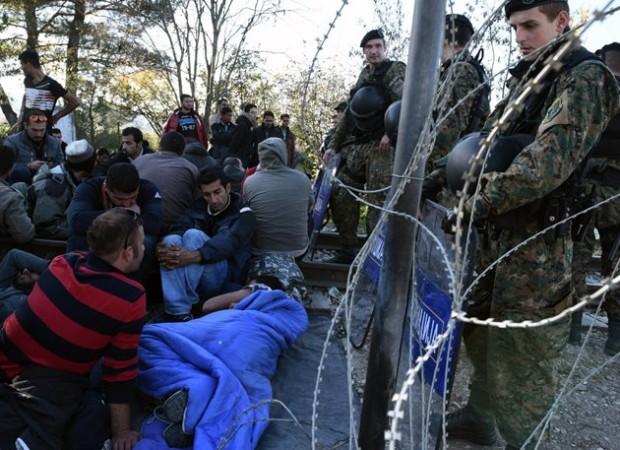 ΑΝΟΙΞΑΝ ΤΑ ΣΥΝΟΡΑ ΟΙ ΣΚΟΠΙΑΝΟΙ! «Πέταξαν» πίσω στην Ελλάδα πρόσφυγες και τα ξανά έκλεισαν! (ΒΙΝΤΕΟ)