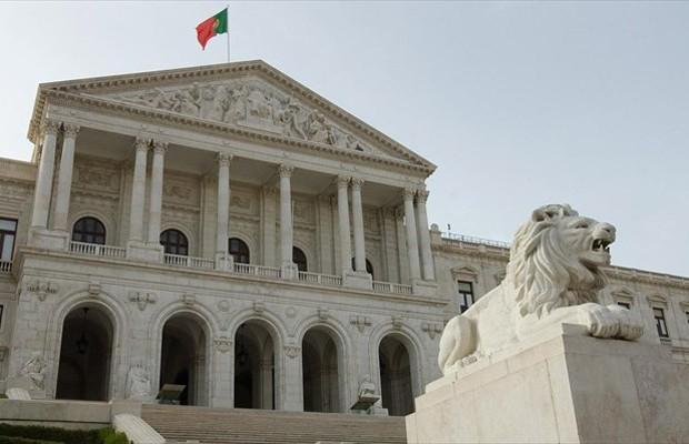 Νέα μέτρα ζητά το ΔΝΤ απο την Πορτογαλία που «βγήκε» απο το μνημόνιο