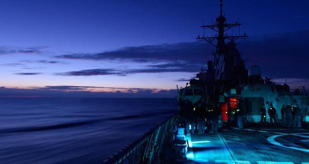 ship_night-640x330