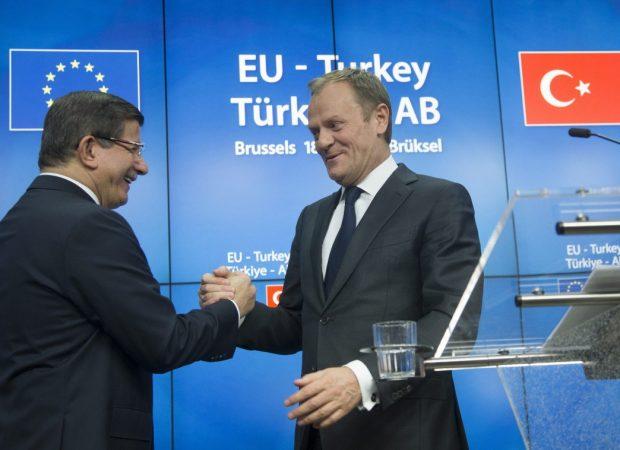 Πιο Τούρκος κι απ' τους Τούρκους! Προκλητικός θαυμαστής της Άγκυρας ο Ντόναλντ Τουσκ