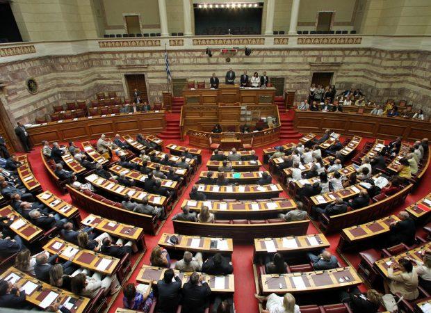ΑΝΑΤΡΟΠΗ ΚΑΙ ΑΙΦΝΙΔΙΑΣΜΟΣ! – Στην Ολομέλεια το Σάββατο ασφαλιστικό-φορολογικό, την Κυριακή η ψήφισή του