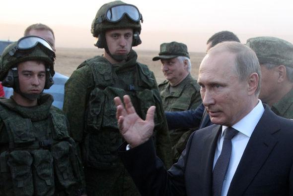 ΠΑΝΙΚΟΣ ΣΤΗΝ ΔΥΣΗ! HΡωσία με πρόσχημα στρατιωτικές ασκήσεις μετακινεί μαζικά στρατεύματα στα σύνορα της Ευρώπης