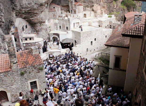 Η Τουρκία απαγορεύει την τέλεση λειτουργίας στην Παναγία Σουμελά!