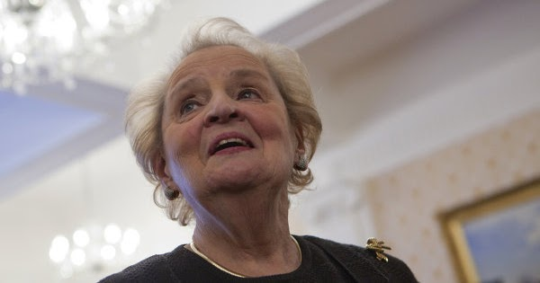 Η Albright  είπε ότι η εκλογή του Trump θα είναι ένα 'δώρο για τον Πούτιν'