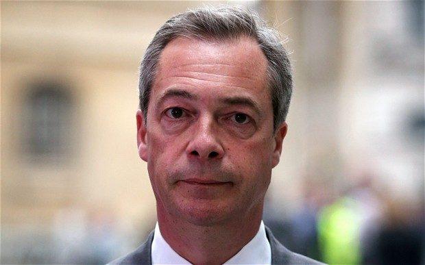 Δίδαξε ήθος ο Nigel Farage.Αποχώρησε από την πολιτική,αφού αξιώθηκε να δει τον αγώνα που διεξήγαγε για 20 έτη,για έξοδο της Αγγλίας από την ΕΕ,ναεπιβραβεύεται.