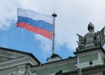 Οι μισοί Σέρβοι κοιτούν προς ΕΕ, οι άλλοι μισοί σε Ρωσία – η πλειοψηφία εναντίον του ΝΑΤΟ