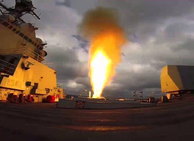 EKTAKTO: Ιράν-ΗΠΑ σε τροχιά σύρραξης – Μεταστάθμευσαν Αμερικανικά F-16CM για βομβαρδισμούς- Aναπτύχθηκε Ιρανικός στόλος απέναντι από τον αμερικανικό στην Υεμένη (εικόνες)