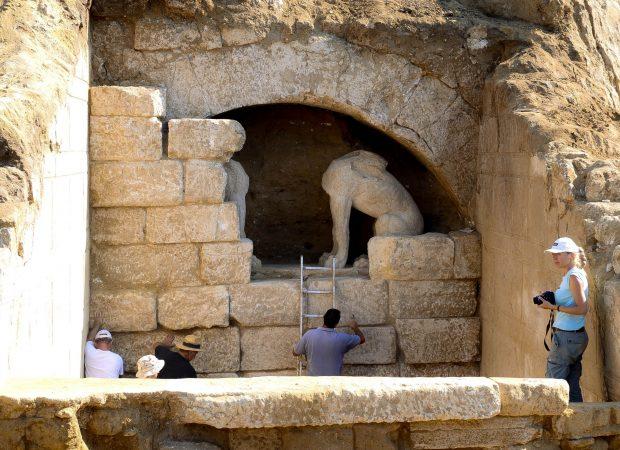 ΝΕΕΣ ΑΠΟΚΑΛΥΨΕΙΣ ΓΙΑ ΤΗΝ  ΑΜΦΙΠΟΛΗ – Γιατί γκρεμίστηκε αιφνιδιαστικά το βόρειο τείχος του μνημείου
