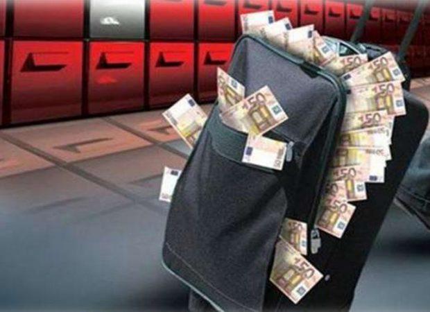 Στην τσιμπίδα του ΣΔΟΕ όσοι έχουν βγάλει λεφτά με βαλίτσες στο ,εξωτερικό!