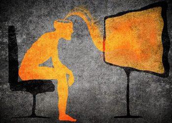 Ό,τι προβάλλει σήμερα η τηλεόραση, δεν είναι παρά για να προετοιμάσει τούς  ανθρώπους για τον ερχομό του αντιχρίστου... - Triklopodia | Triklopodia