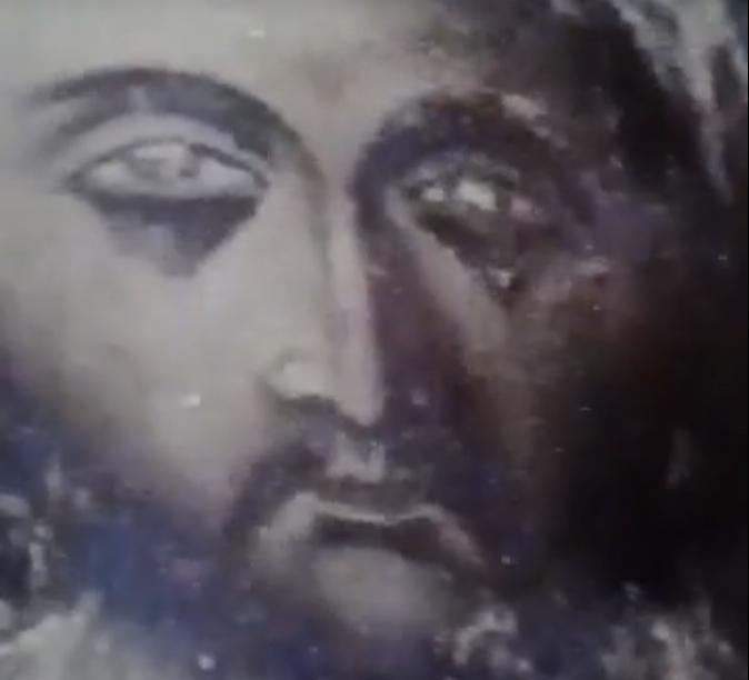 ΜΕΓΑ ΣΗΜΕΙΟ: Eικόνα του Χριστού δακρύζει ! ΈΡΧΟΝΤΑΙ ΔΡΑΜΑΤΙΚΕΣ ΕΞΕΛΙΞΕΙΣ  ΛΟΓΩ ΤΗΣ ΑΠΟΣΤΑΣΙΑΣ!!! ΒΙΝΤΕΟ - Triklopodia | Triklopodia